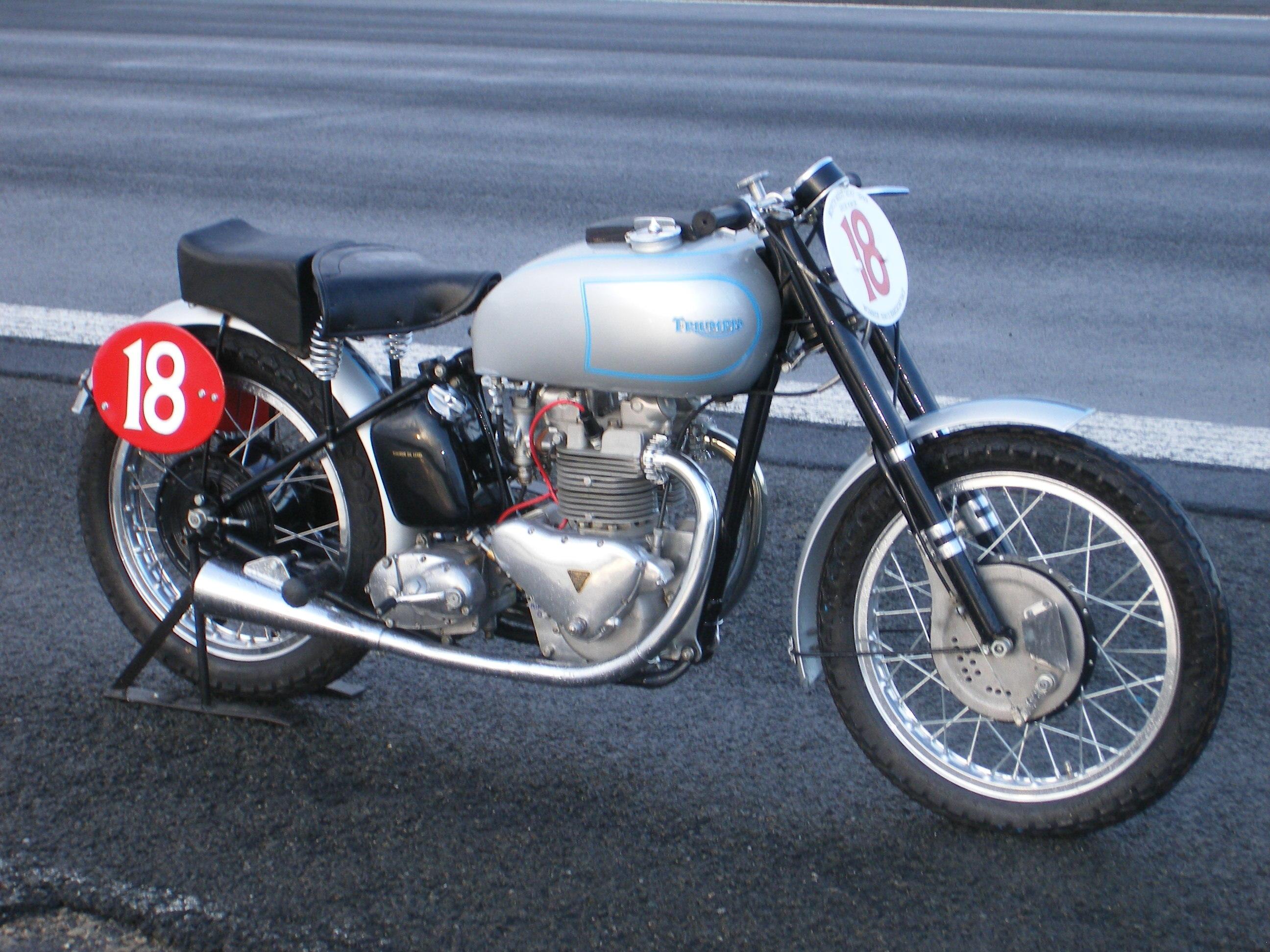 NEW TRIUMPH T120 BONNEVILLE PRE UNIT TR6 DUPLEX MODEL OIL TANK 1960-1962 @VT