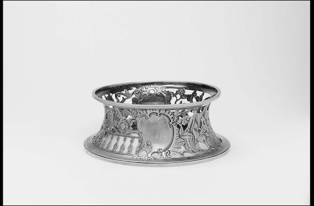 A good George III Irish dish ring, Dublin, Hibernia and crowned harp marks only, struck to lower rim, circa 1765,
