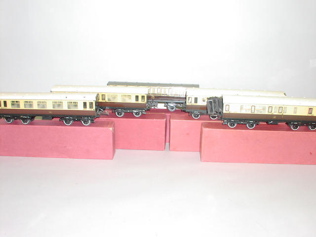 Hornby Series No 2 GWR Passenger coaches (5)