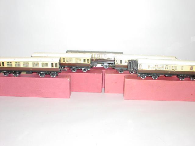 Hornby Series No 2 GWR Passenger coaches (5)