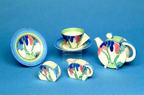 "A Newport Pottery ""Clarice Cliff"" Bizarre Bon Jour bachelor teaset printed marks.(5)"