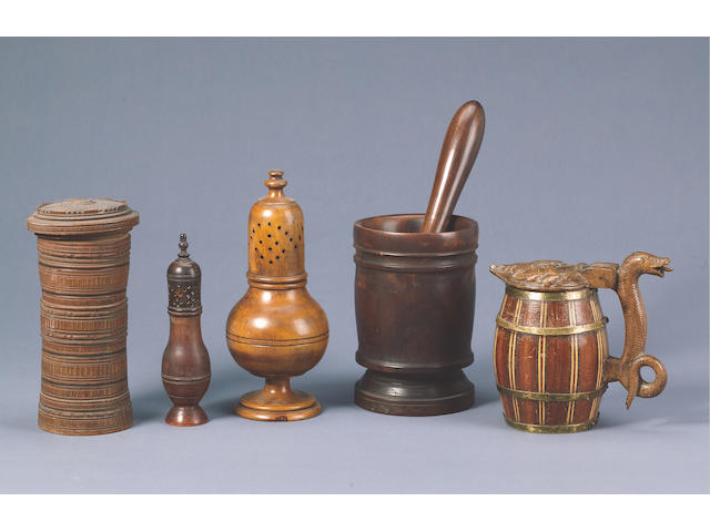 A German treen Box and Cover, Late 18th century 20cms high