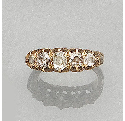 A five-stone diamond ring ring,