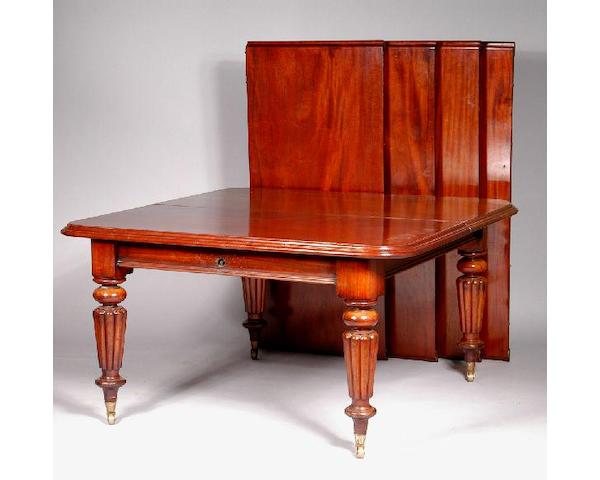A William IV mahogany dining table, 135 x 357