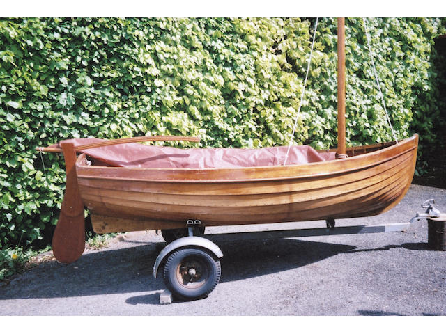 A Clinker Sailing Dinghy Length: 9ft.1in.(2.77m) Beam: 4ft.(1.22m) Draft:17in.(43cm)
