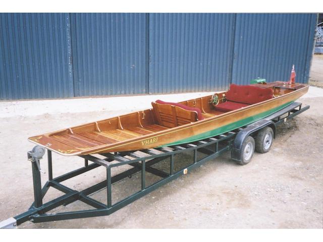 VHARI. A Rare Motor Camping Punt Length: 24ft.4in.(7.42m) Beam: 3ft.4in.(1.02m) Draft: 14in.(35cm)