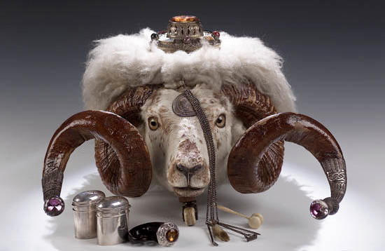 An impressive Victorian Ram's head table snuff Mull, by Mackay & Chisholm, Edinburgh 1880, 34cms hig