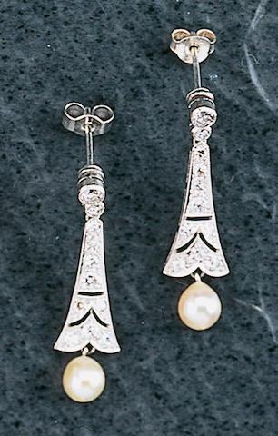 A pair of Edwardian diamond earpendants,