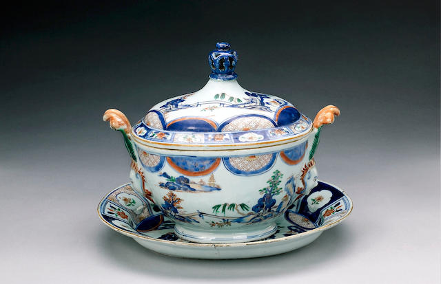 A Chinese 'Imari' tureen, cover and stand [3]
