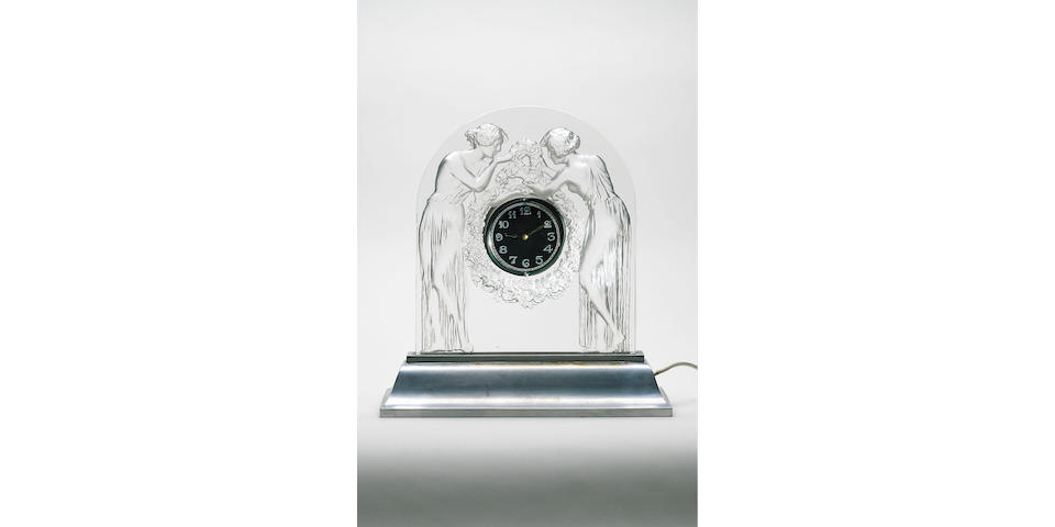 René Lalique, design 1926 'Deux Figurines' a Clear and Frosted Timepiece