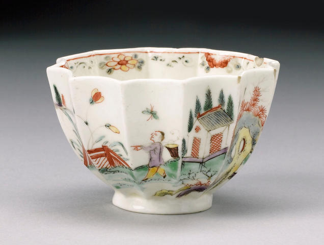 An early Worcester teabowl circa 1752