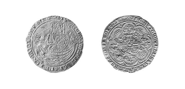 Edward III (1327-1377), Treaty Period Noble, omits France, curule-shaped X, two saltires before Edward (S.1506).