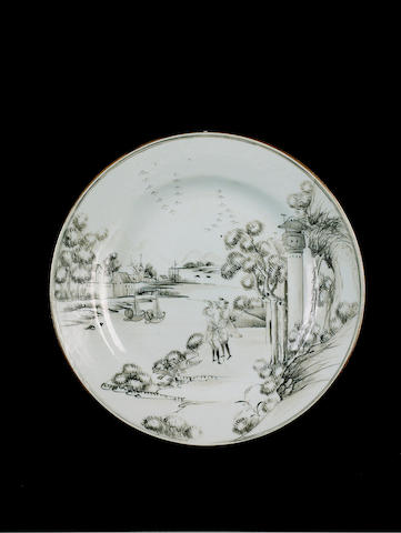 A grisaille-decorated European-subject plate Qianlong