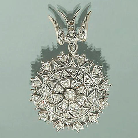 A Victorian diamond target pendant/brooch,