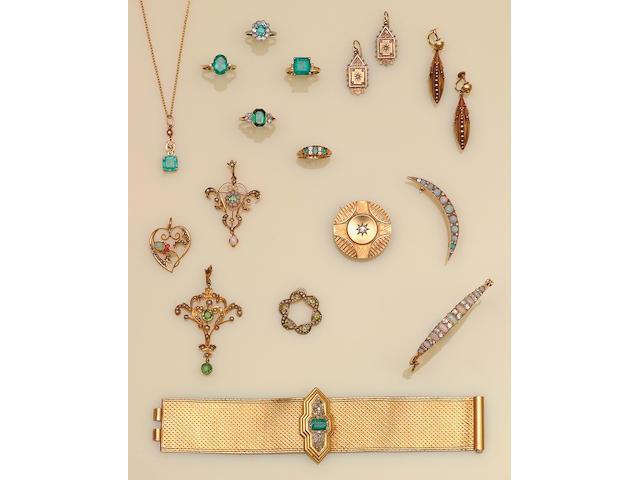 An emerald and diamond set bracelet