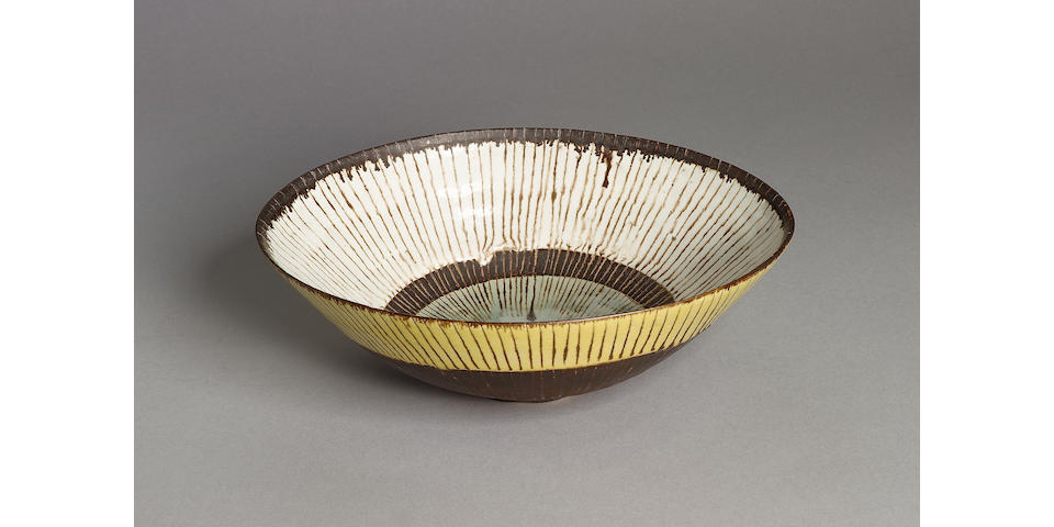 Dame Lucie Rie a rare large oval Bowl, circa 1959 Width 11in. (28cm)