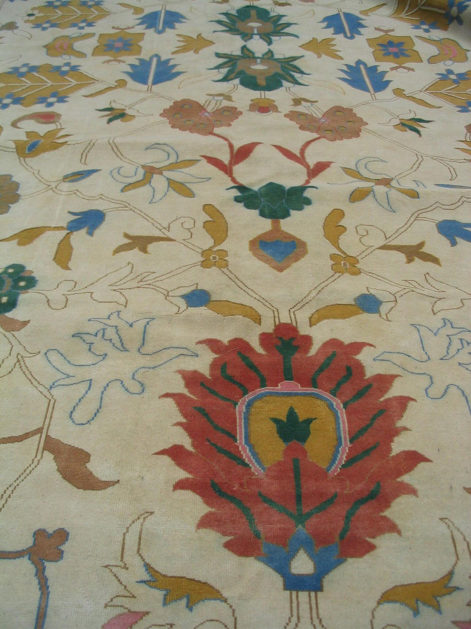 A large Ziegler design carpet 815cm x 462cm