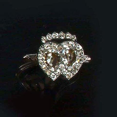 An early 19th century diamond double heart ring