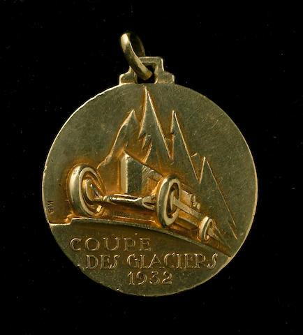 An enamelled gold 'Coupe des Glaciers' medal, 1932,