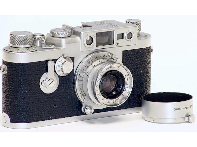 Leica IIIG camera,