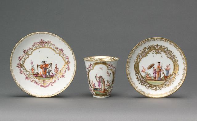 A Meissen beaker and a saucer circa 1725-30