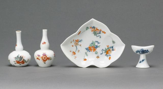A fine Meissen miniature bottle circa 1730-40