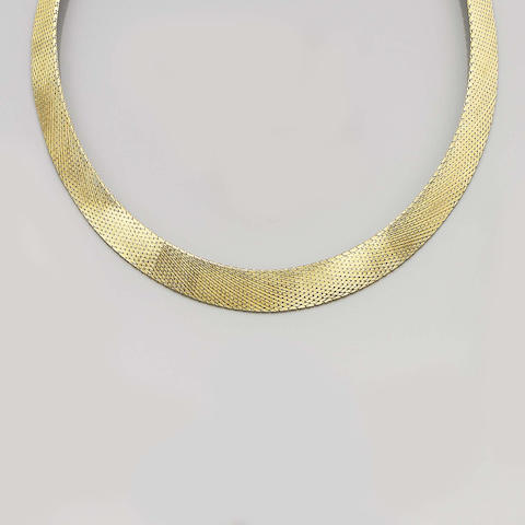 An 18ct. yellow gold collar necklace,