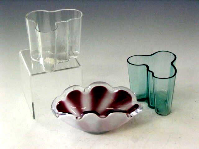Alvar Aalto, Two contemporary 'Savoy' vases,