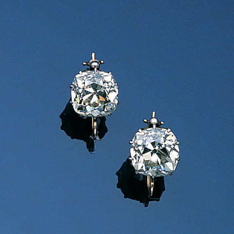 A pair of late Victorian diamond single-stone earpendants