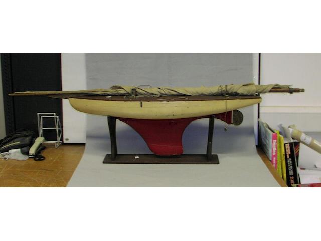 A 36in. Pond Yacht 91 x 20 x 165cm.(36 x 8 x 65in.)