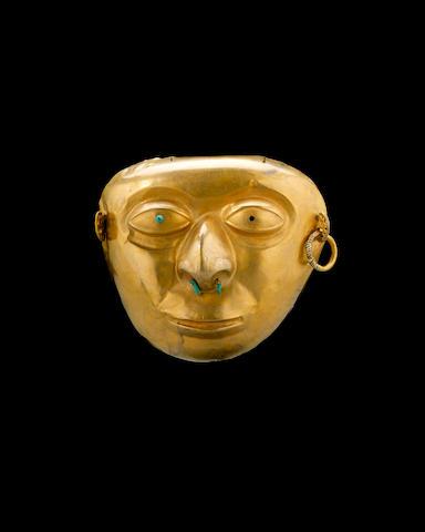 A rare La Tolita gold and platinum mask