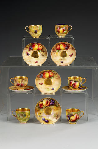 A cased Royal Worcester fruit decorated tea service, dated 1926, painted by Everett, Powell and Hale,