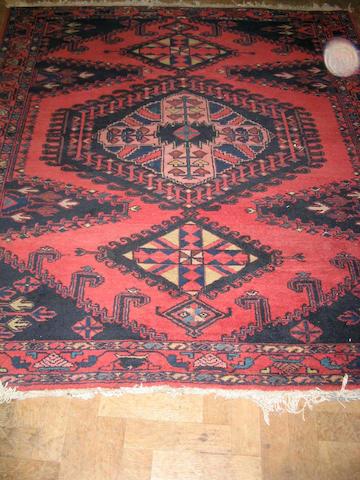 A Viss rug West Persia, 192cm x 169cm