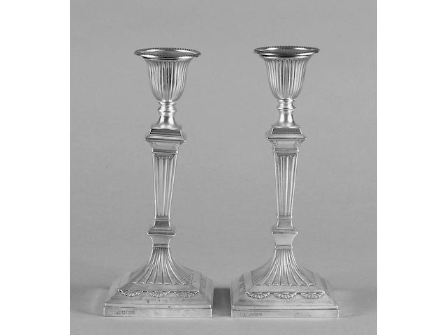 A pair of late Victorian candelsticks Hawksworth, Eyre & Co, Sheffield 1891,