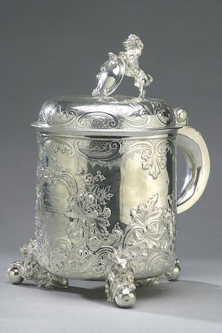 A late Victorian lidded tankard, by Elkington and Co., London 1900,