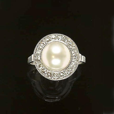 A diamond and cultured pearl cluster ring