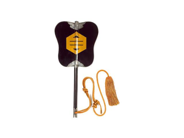 An elegant roiro-nuri Gunpai [Daimyo's War Fan],