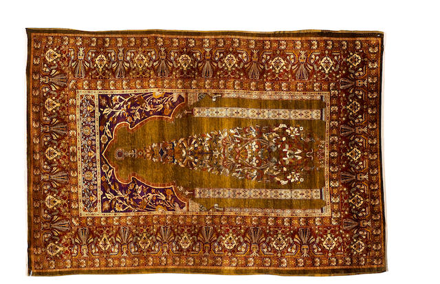 A silk Turkish prayer rug possibly Hereke, 6 ft 3 in x 4 ft 3 in (190 x 130 cm)