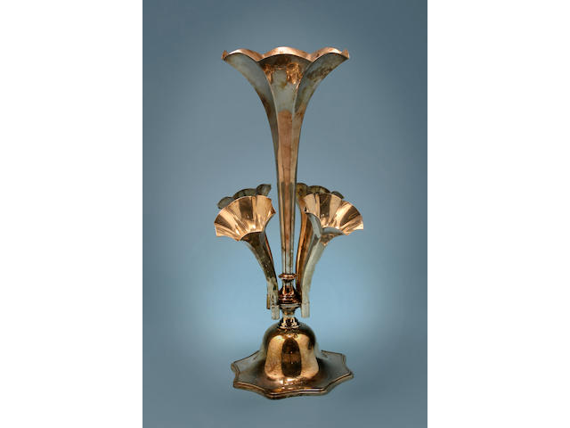 An Edwardian large epergne, by Goldsmiths and Silversmiths Co. Ltd, London 1903,