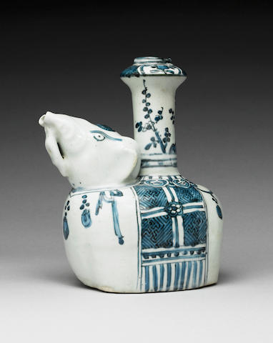 A rare Ming blue and white elephant kendi  Wanli