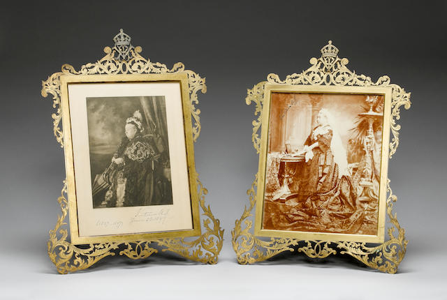 ROYALTY A pair of portraits of Queen Victoria