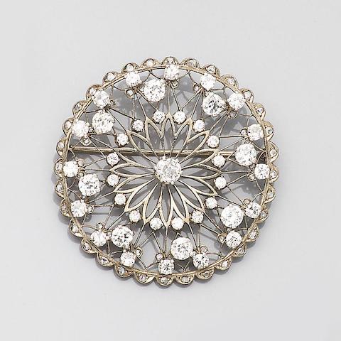 First half of the 20th century diamond-set brooch