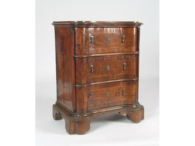 An 18th Century Italian walnut commode