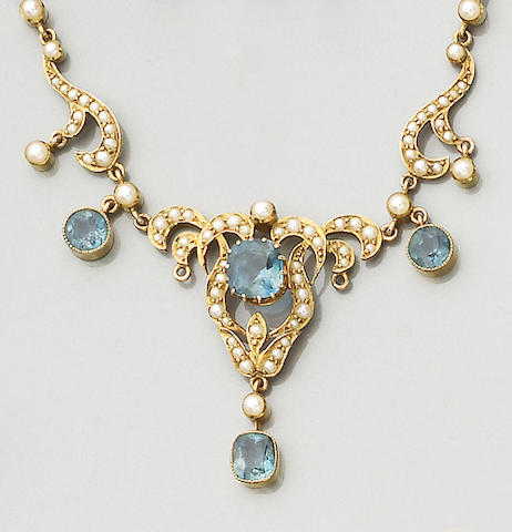 An Edwardian aquamarine and seed pearl necklace (2)