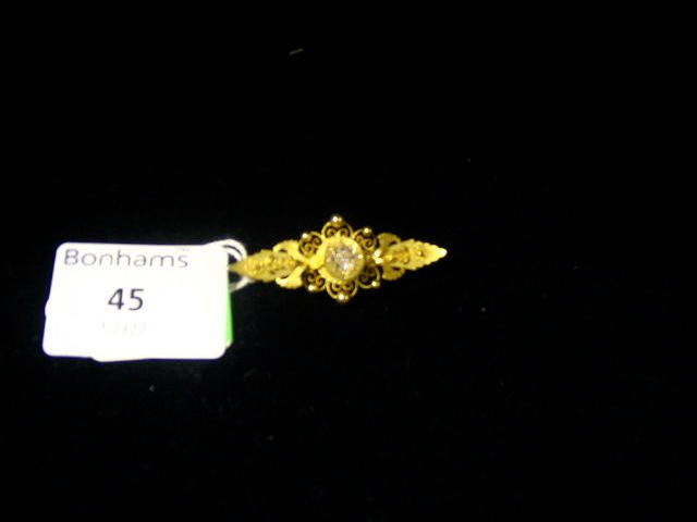 A Victorian 15ct gold and diamond brooch