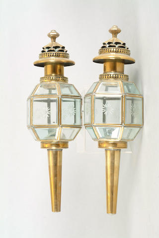 A pair of carriage lamps by the Lime House Lamp Company,