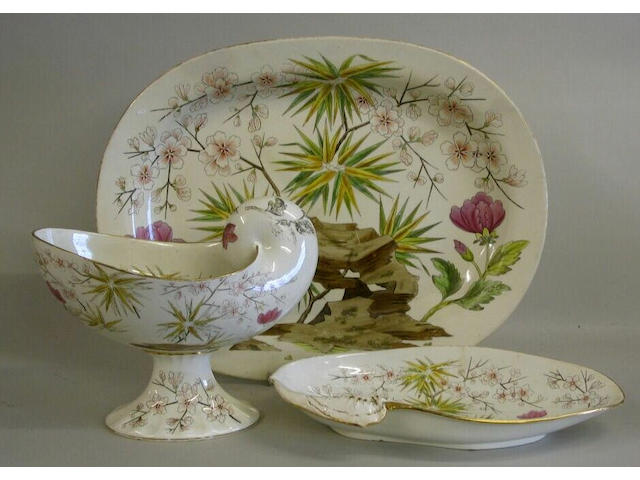 A Wedgwood Pearl Ware part Nautilus dinner service