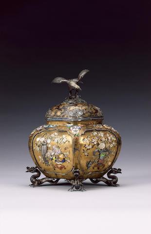 An elegant koro made by the Ozeki Kaisha,