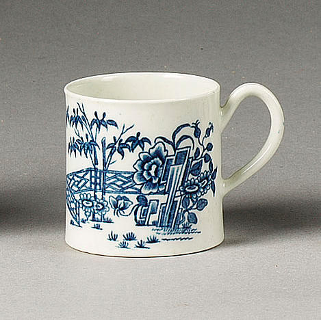 A Worcester 'Bamboo Billboards' coffee can, circa 1760,
