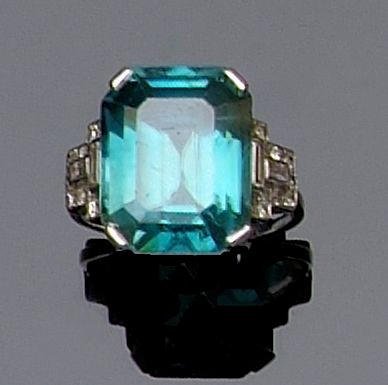 A zircon and diamond dress ring